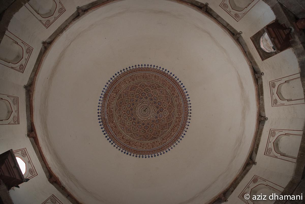 isa khan garden tomb