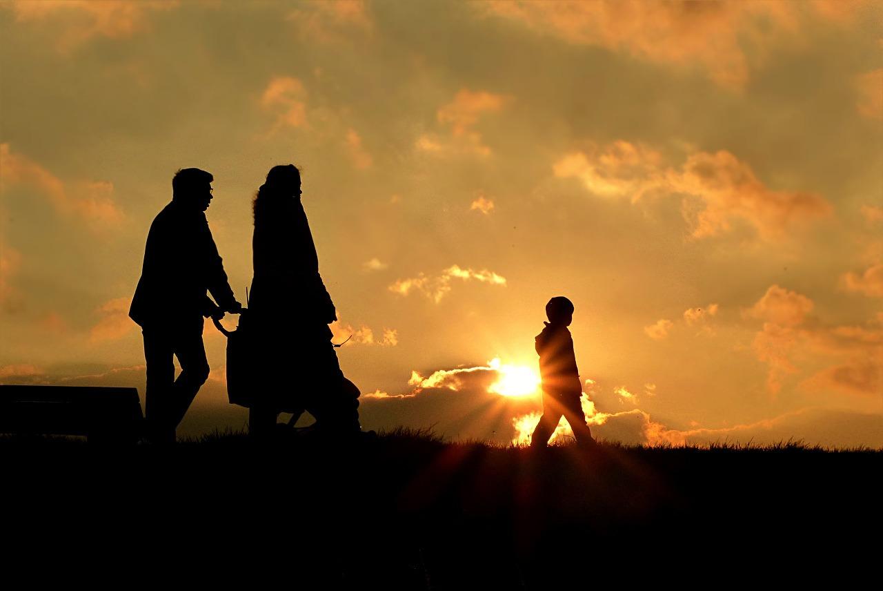 SA Buzz - family walk