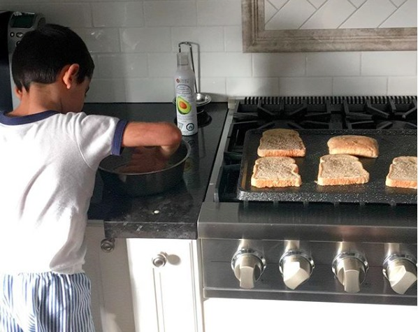 Tips for Children Fasting during Ramadan - kids cooking